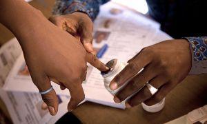 Malians voting